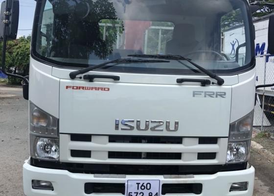 Xe tải Isuzu FRR gắn cẩu Unic 370, Xe đời 2017 rất đẹp